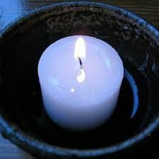 Manresa Link Candle
